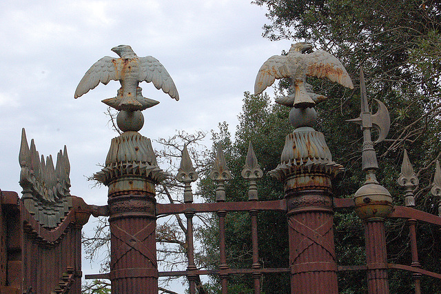 Misuzo de la aglo - Missbrauch des Adlers
