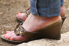 pretty sandals (F)