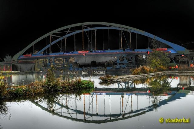 Floating of the new bridge between Segnitz and Marktbreit
