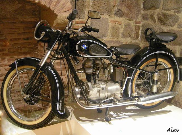 Eski... Palia... Old... BMW R25/2