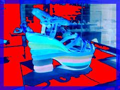 Bata shoe museum  / Toronto, CANADA.  2 novembre 2005  - Négatif photofiltré