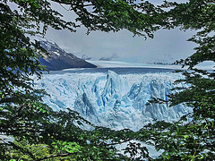 PICT14226bc Natural Window on Perito Moreno Glacier