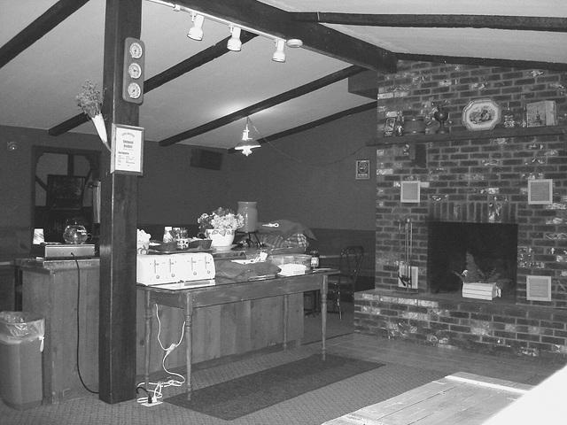 Econolodge. Mendon. Vermont - USA.  26 juillet 2009 - Petit déjeûner - Breakfast time.  Blanc et noir