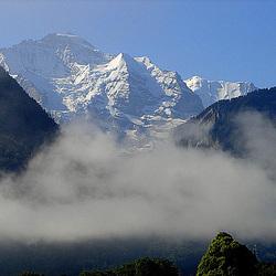 20060618 0349DSCw [R~CH] Interlaken > Jungfrau