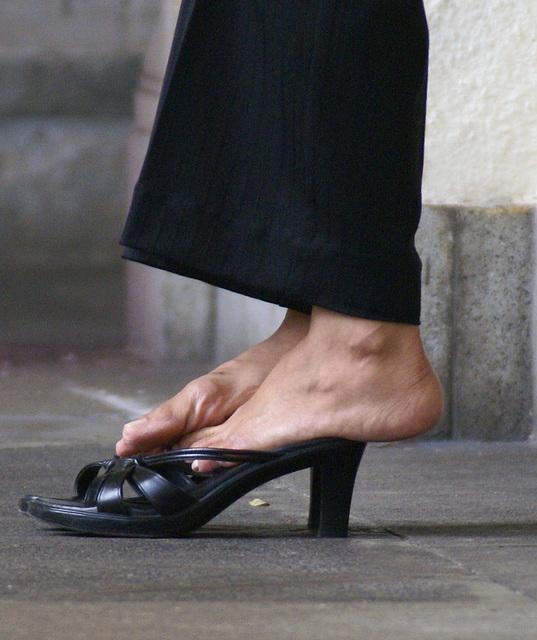 callisto sandal foot play