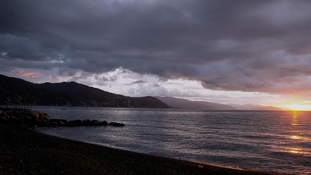 alba con minaccia di pioggia