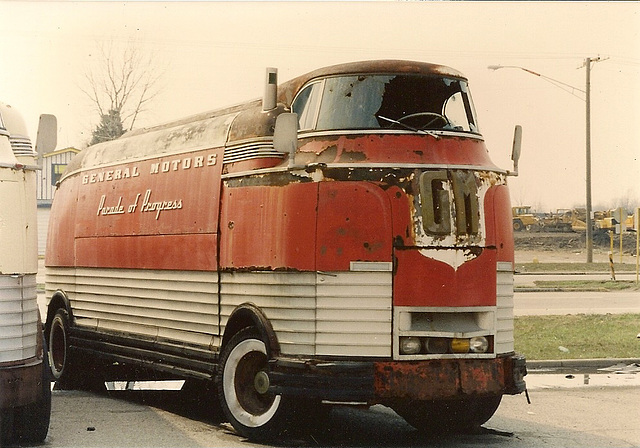 Ipernity general motors parade of progress futurliner for Is dodge general motors