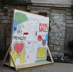 17.BerlinWallProject.JHU.SAIS.WDC.9November2009