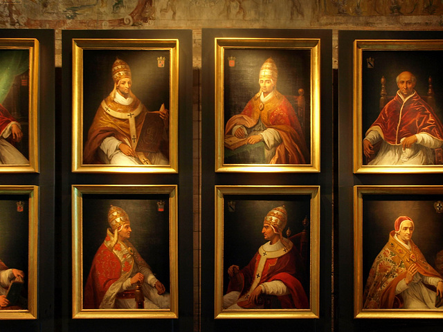 P9208346ac Wall of Popes Portraits