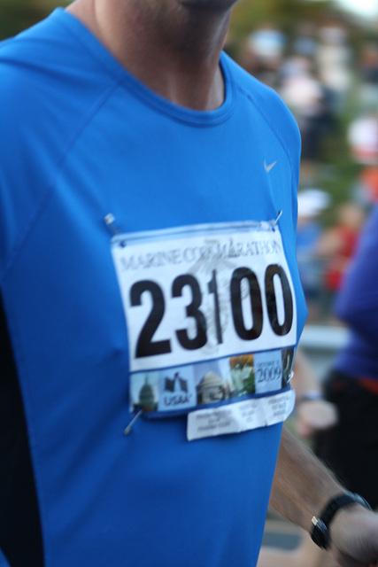 26.MCM34.RunnersStart.Route110.Arlington.VA.25October2009