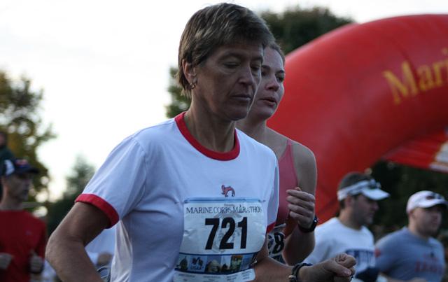 30.MCM34.RunnersStart.Route110.Arlington.VA.25October2009