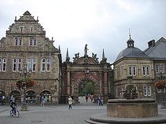 20061003 0756DSCw [D-SHG] Tor zum Schloss, Bückeburg