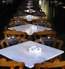 Majestic tables