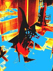 Rêve coloré de la Suprématie de la Femme /  Women's Supremacy colourful dream -  Bata shoe museum / Toronto, CANADA.  3 juillet 2007  - Avec une touche de bleu.