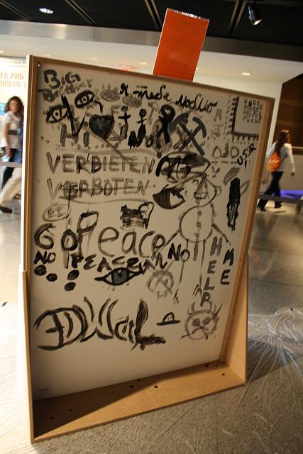 19.Graffiti.BerlinWall.Newseum.WDC.8November2009