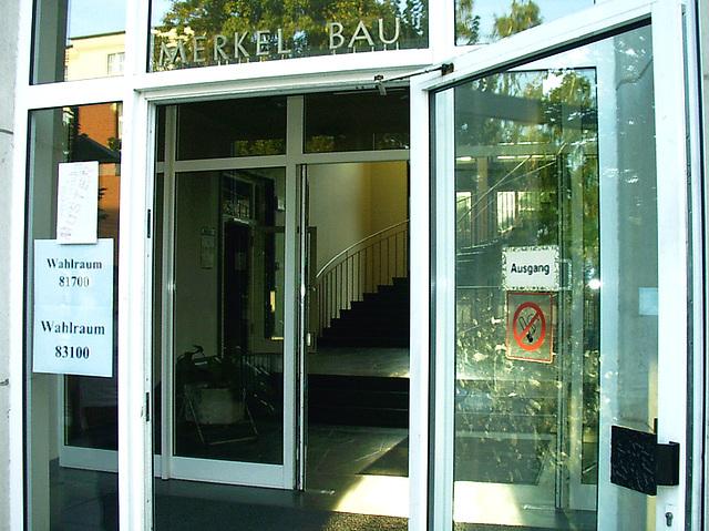 2009-09-27 mein Wahllokal ;-(