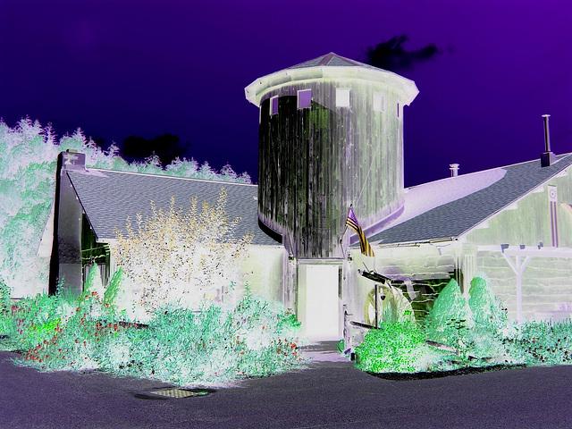 Peavine restaurant  -  Route 107. Vermont USA  - 25 juillet 2009-  RVB en négatif et couleurs ravivées