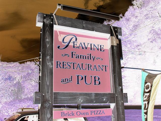 Peavine restaurant  -  Route 107. Vermont USA  - 25 juillet 2009 - Négatif