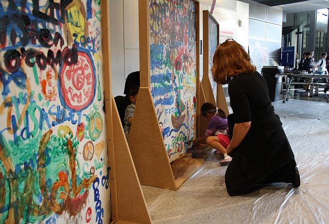 25.Graffiti.BerlinWall.Newseum.WDC.8November2009