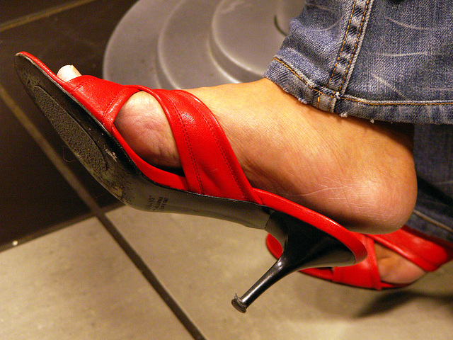 coffee shop hot red slides (F)