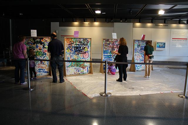38.Graffiti.BerlinWall.Newseum.WDC.8November2009