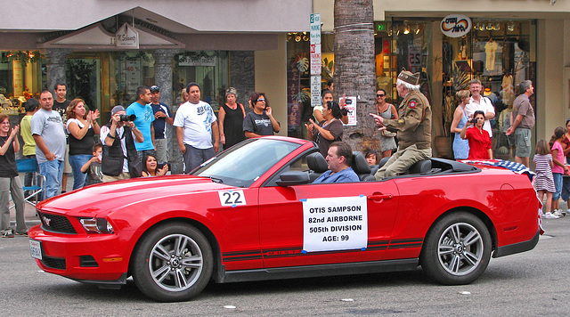 Palm Springs Veterans Parade - 99 years old (1780)