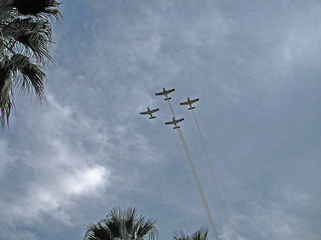 Palm Springs Veterans Parade Flyover (1762)