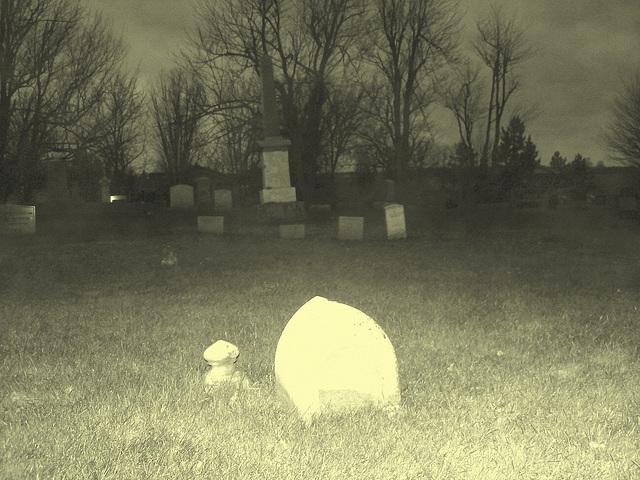 Cimetière catholique romain / Catholic roman cemetery - St-Jacques le majeur- Clarenceville- Noyan. Québec, Canada. 21-11-2009 - Vintage