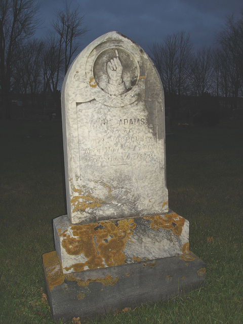 Cimetière catholique romain / Catholic roman cemetery - St-Jacques le majeur- Clarenceville- Noyan. Québec, Canada. 21-11-2009