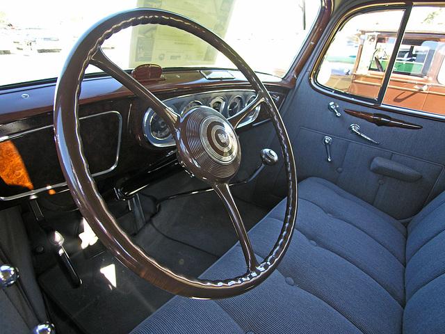 1937 Packard 1500 (8579)