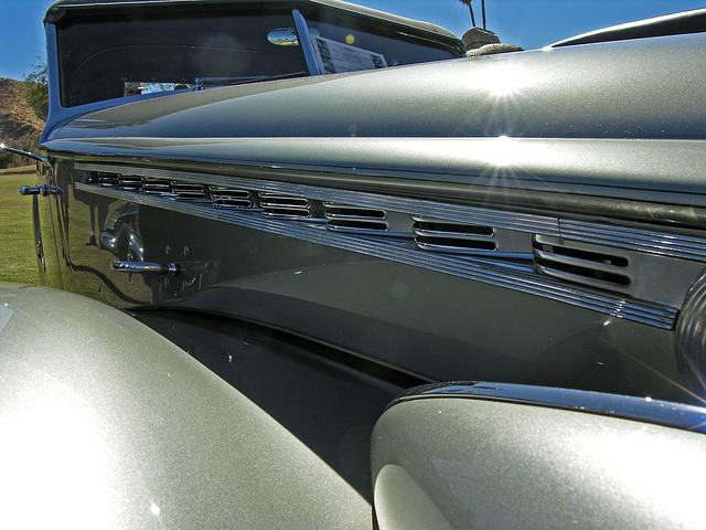 1940 Packard Custom Super 8 (8584)