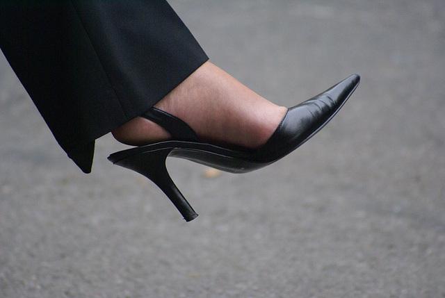 nine west sling back heels