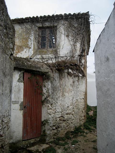 A-dos-Ruivos, downfall