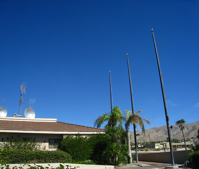Time Warner Flagpoles (4589)