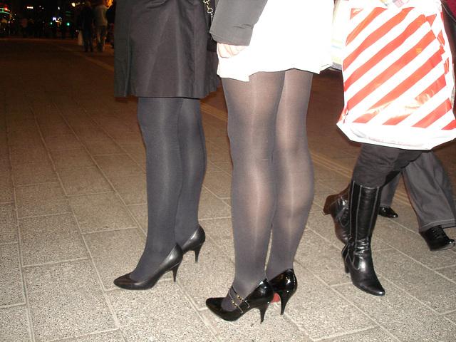 Jeunes Déesses danoises en talons hauts avec permission / Willing danish young Ladies in high heels with permission