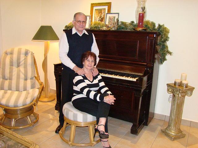 Mon amie / My friend Elisabeth avec / with permission -  Musique et talons hauts / Music and high heels