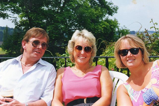 Martin, Mandi and I enjoying a quiet drink