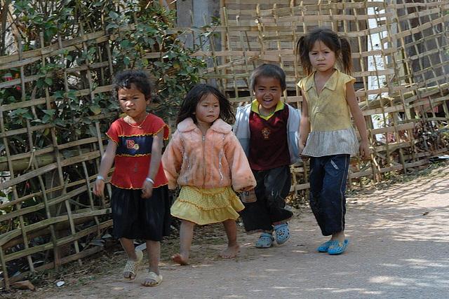 Origin kids in Song Cha village