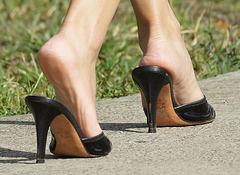walking in heels (F)