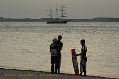 laboe-kiter-with-sailship