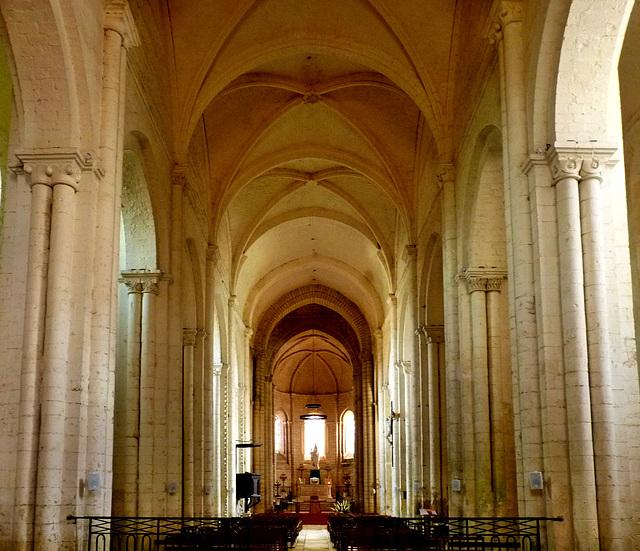 Lusignan - Notre-Dame et Saint-Junien