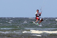heidkate-2-kitesurfing-with-friends