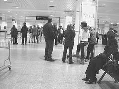 Aéroport de Montréal /  Montreal airport - N & B