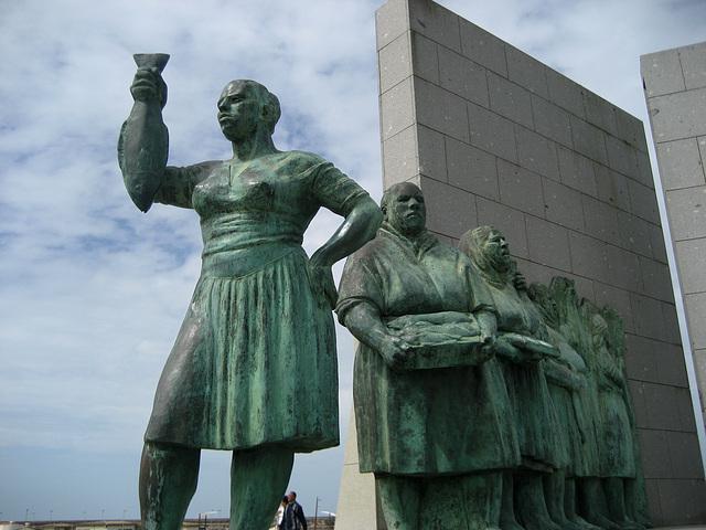 Póvoa do Varzim, Fisherman's Monument (sculpture)