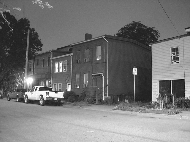Halifax by the night  / Canada.  June / Juin 2008  - N & B