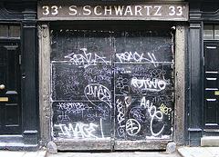 Black, Noir ... Schwartz!