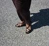 Christiane ! Petits pieds dans sandales de cuir à talons hauts / Sexy feet in leather high-heeled sandals
