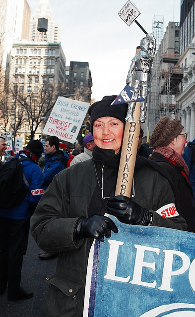 04.09.M20.AntiWar.NYC.20March2004