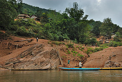 Bigger village beside the Nam Ou river