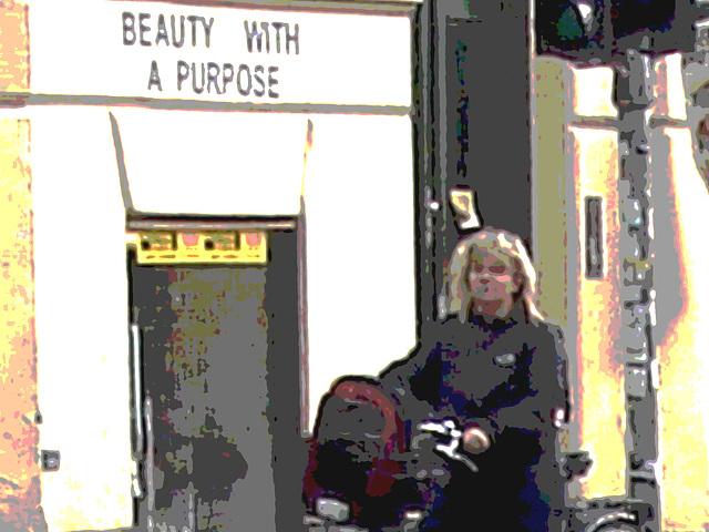 Beauty with a purpose blurry blonde biker /  Beauté avec un but de blonde danoise en vélo - Copenhague / Copenhagen.  20-10-2008- Postérisation